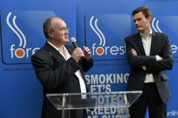 Οι πρόεδροι της FOREST και του Ευρωπαϊκού της παραρτήματος Σάιμον Κλαρκ από τα αριστερά και Guillaume Périgois από τα δεξιά